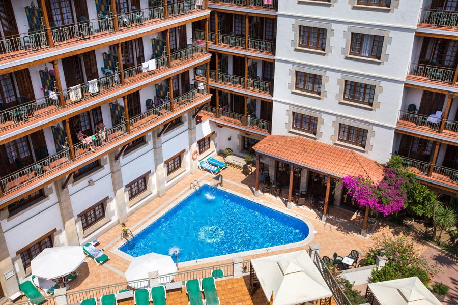 7fe03-hotel-la-carolina-lloret-de-mar--19-.jpg
