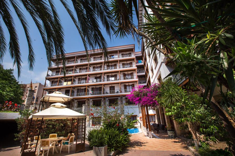 e47cc-hotel-la-carolina-lloret-de-mar--14-.jpg